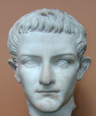 Inilah Kaisar Paling Sinting Yang Pernah Ada Di Bumi [ www.BlogApaAja.com ]